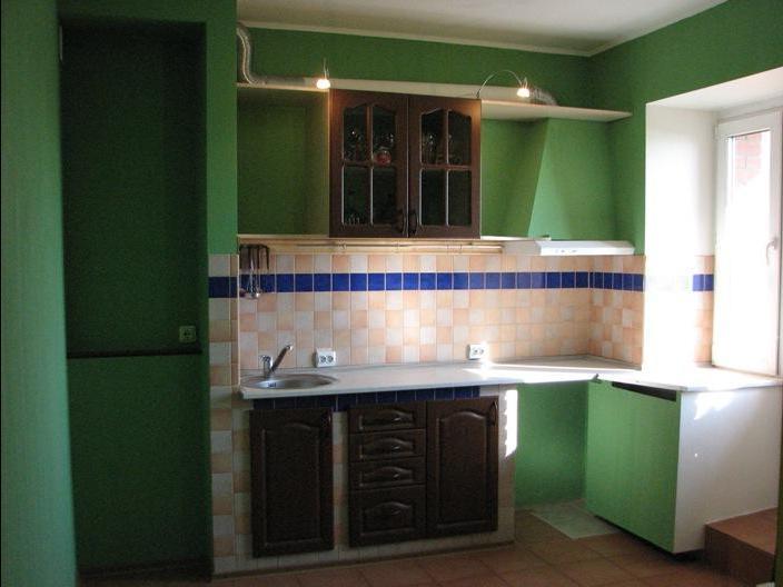 Примеры фоторабот совмещения балкона с кухней малогабариток..